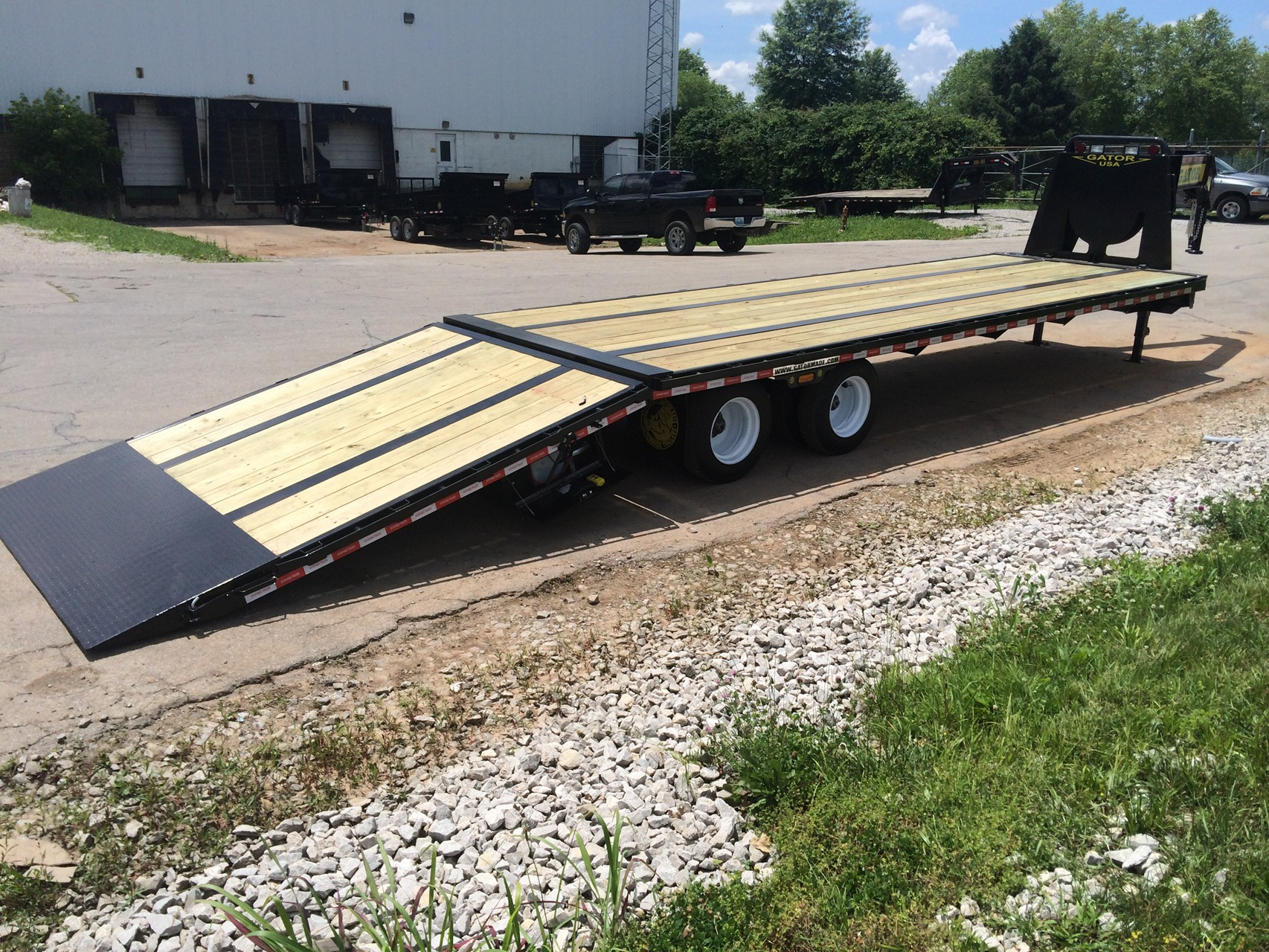 Gooseneck Trailer With Hydraulic Dovetail Gatormade Trailers